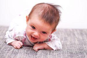 ズリバイをする幼児