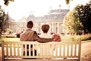 結婚式を夢見る新郎新婦