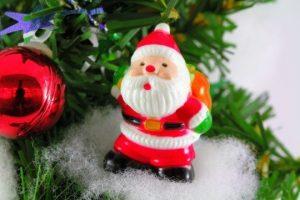 クリスマスツリーのサンタの飾り