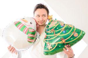 クリスマスに浮かれている夫