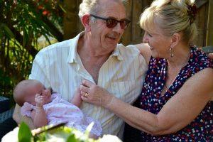 祖父母と赤ちゃん