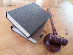 裁判で使用するガベル