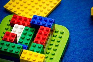 カラフルなレゴブロック
