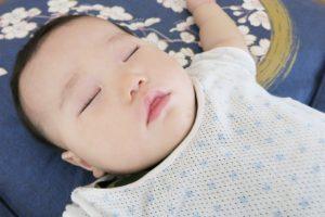 ぐっすり寝ている赤ちゃん